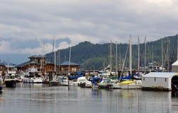 Puerto deportivo y embarcadero en Gibsons, A.C. Imagen de archivo libre de regalías