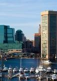 Puerto deportivo y horizonte de Baltimore Fotografía de archivo
