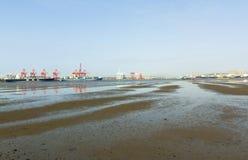 Puerto durante la bajamar en Durban Suráfrica Fotos de archivo