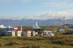 Puerto e iglesia de Stykkisholmur Imagen de archivo