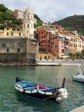 PUERTO editorial Cinque Terre de Vernazza Italia Fotos de archivo libres de regalías