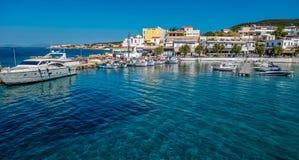 Puerto en Aegina, Grecia Imágenes de archivo libres de regalías