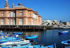 Puerto en Bari Fotos de archivo libres de regalías