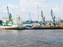Puerto en el hdr de Hamburgo imagen de archivo