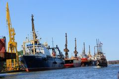 Puerto en Gdansk, mar Báltico Foto de archivo libre de regalías