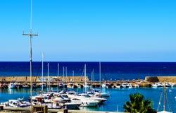 Puerto en Heraklion en Creta en Grecia Foto de archivo
