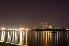 Puerto en la noche. Fotos de archivo libres de regalías