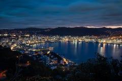 Puerto en la noche imagen de archivo libre de regalías