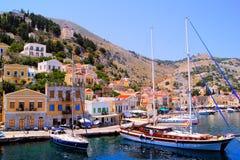 Puerto en Symi, Grecia fotografía de archivo