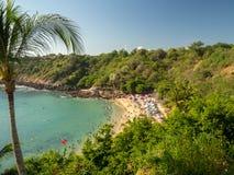 Puerto Escondido, Оахака, Мексика, Южная Америка: [Playa Carrizalillo, crowdwed естественный пляж, туристское назначение] стоковое изображение rf