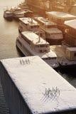 Puerto fluvial en invierno Foto de archivo libre de regalías