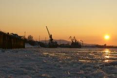 Puerto fluvial en noviembre Imágenes de archivo libres de regalías