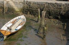 Puerto histórico de Lyme Regis con la pared de Cobb en Dorset foto de archivo libre de regalías