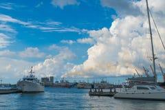 Puerto Louis Pier, tarde, barcos foto de archivo libre de regalías