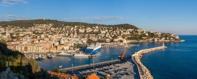 Puerto Lympia como visto de Colline du chateau - Niza, Francia Imagen de archivo