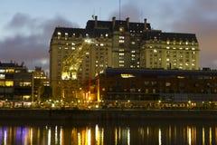 Puerto Madero bis zum Nacht Stockfoto