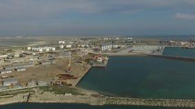 Puerto marítimo aéreo de Aktau Kazajistán metrajes