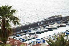 Puerto marítimo del Los Gigantes, Tenerife, islas Canarias, España Fotografía de archivo libre de regalías