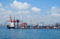 Puerto marítimo industrial fotografía de archivo libre de regalías