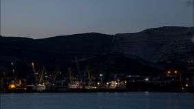 Puerto mercantil de trabajo de Novorossiysk almacen de metraje de vídeo