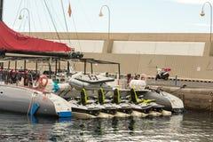 Puerto Rico Gran Canaria, Grudzień 16, -, 2017: Marina Puerto Rico Wiele firmy oferują łódkowate wycieczki dla łowić i Zdjęcia Royalty Free