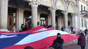 Puerto Rico People e sostenitori riuniti per sollevare domanda di più aiuto nella costruzione del capitale dello Stato di Connect archivi video