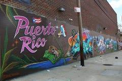 Puerto Rico themed vägg- konst på östliga Williamsburg Arkivbild