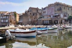 Puerto típicamente pequeño Córcega Fotos de archivo libres de regalías