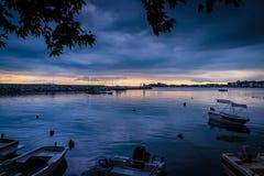Puerto tranquilo antes de la tormenta Imagenes de archivo
