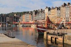 Puerto viejo de Honfleur, Francia Imágenes de archivo libres de regalías