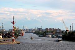 Puerto viejo de St Petersburg, Rusia Foto de archivo libre de regalías