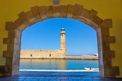 Puerto viejo y faro en Rethymno, Creta Imagen de archivo libre de regalías