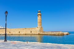 Puerto viejo y faro en Rethymno, Creta Imágenes de archivo libres de regalías