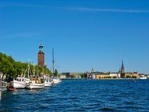 Puerto y lago Malaren de Estocolmo fotos de archivo