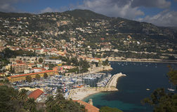 Puerto y puerto deportivo de Villefranche-sur-Mer Imagenes de archivo