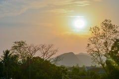Puesta del sol imagenes de archivo