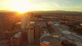 Puesta del sol aérea de la tira del paisaje urbano de Las Vegas