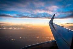 Puesta del sol del aeroplano foto de archivo libre de regalías