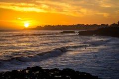 Puesta del sol agradable en Santa Cruz en California Fotografía de archivo libre de regalías