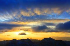 Puesta del sol alpestre Fotos de archivo libres de regalías