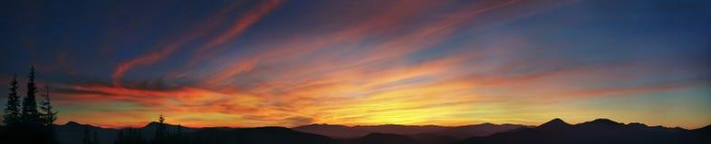 Puesta del sol alpestre Imágenes de archivo libres de regalías