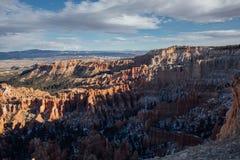 Puesta del sol anaranjada sobre Bryce Canyon National Park, Utah Imágenes de archivo libres de regalías