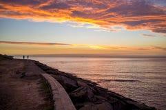 Puesta del sol anaranjada sobre la península de Mornington, Australia imágenes de archivo libres de regalías