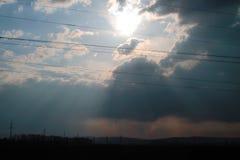 Puesta del sol antes de la lluvia imagen de archivo libre de regalías