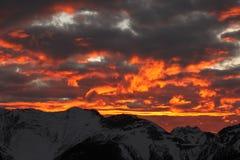Puesta del sol ardiente de Banff imagen de archivo libre de regalías