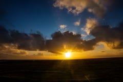 Puesta del sol asombrosa Imagen de archivo