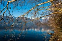 Puesta del sol asombrosa en Dorio, lago Como - Italia Foto de archivo