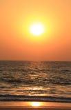 Puesta del sol asombrosa en Goa, la India Foto de archivo libre de regalías
