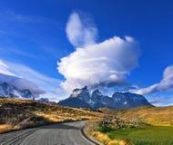 Puesta del sol asombrosa en la Patagonia chilena Fotos de archivo