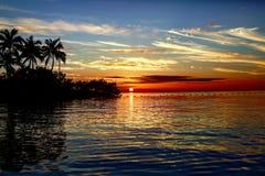Puesta del sol asombrosa en las llaves de la Florida Foto de archivo
